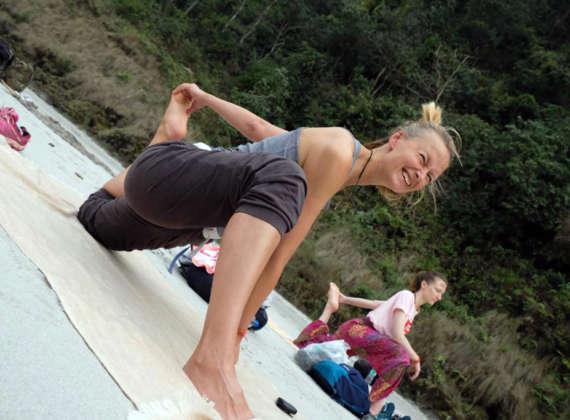 Best 200 Hour Yoga Teacher Training Course In Rishikesh India