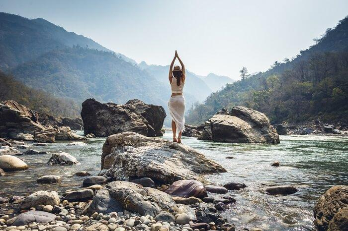 yoga in rishikesh - best yoga school India